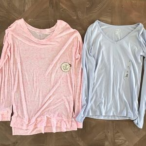 Soft long sleeve tees size small